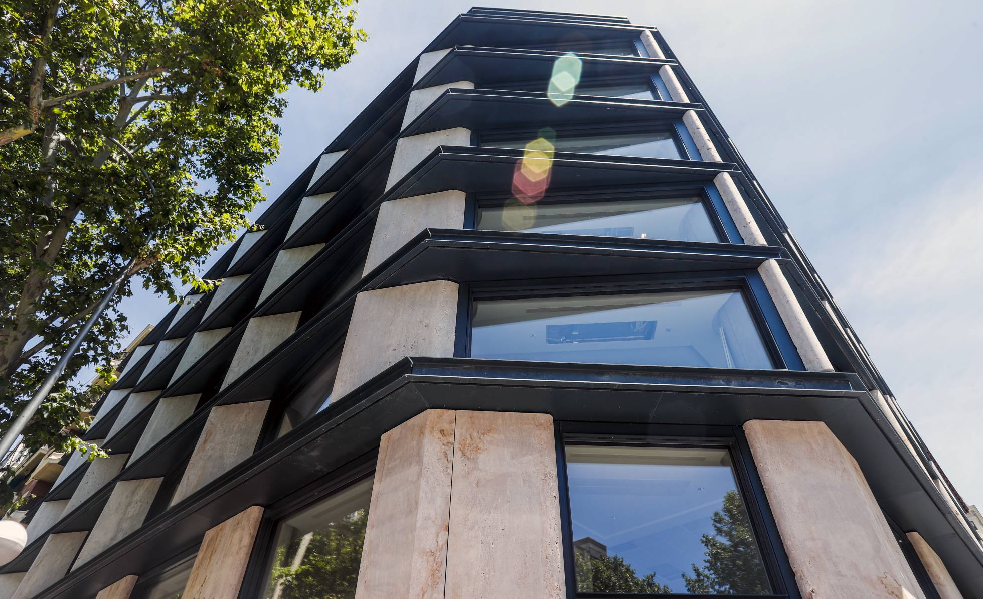 Zurich compra sede Popular